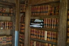 Contents-of-Shelves-Law-Books